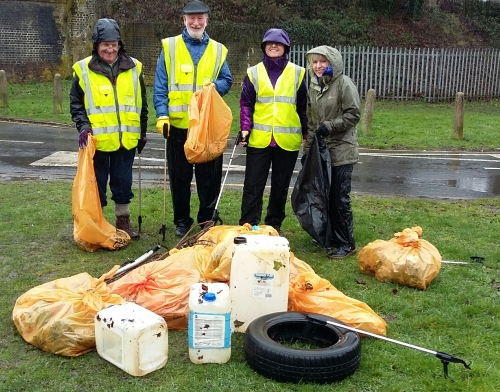 Berkhamsted Street Champions picking litter for the Great British Spring Clean