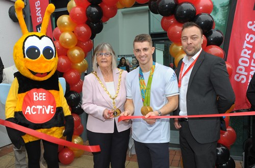 Max Whitlock cuts the ribbon at newly renovated Hemel Hempstead Leisure Centre